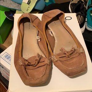 Shoes - Woman's Mocs